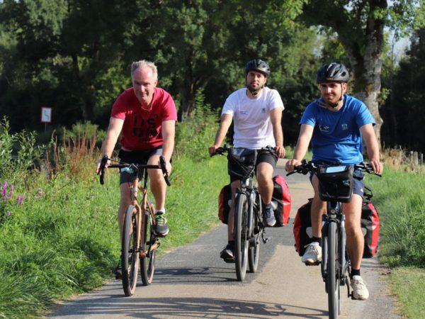 sylvain templier, johann Legrand et Theo Caviezel à vélo