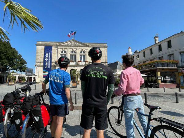devant la mairie de saint dizier